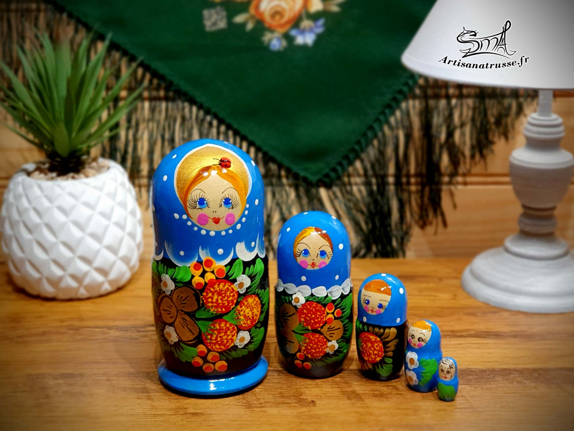 poupée russe fleurs