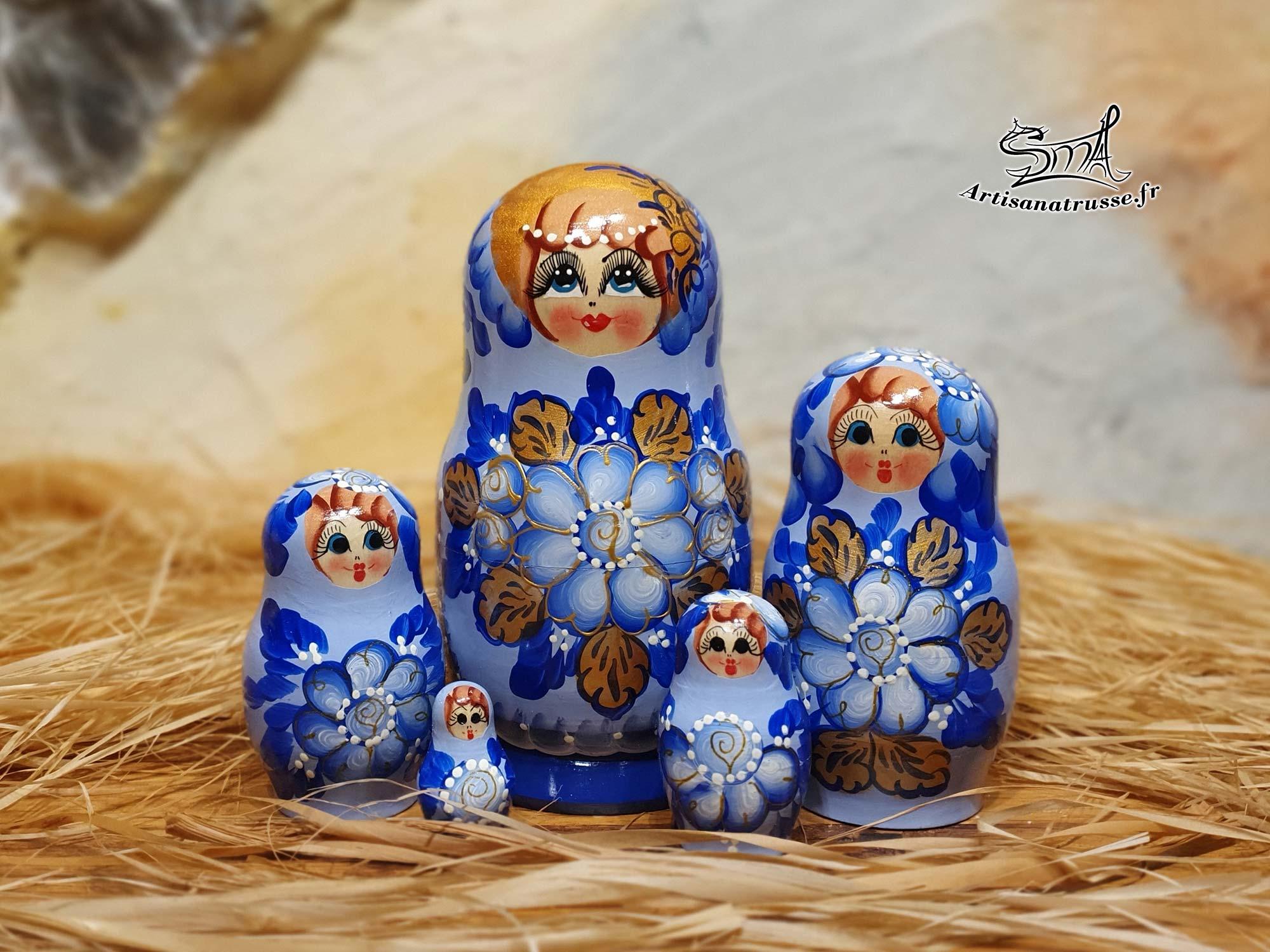 matriochka poupee russe fleurs